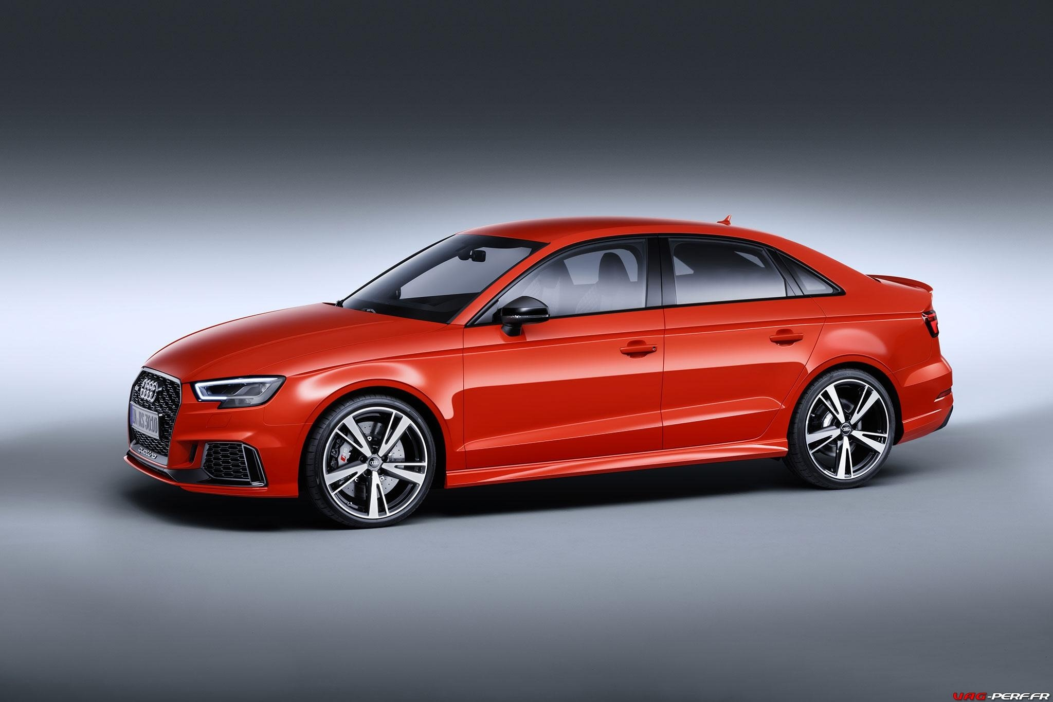 2016_Audi-RS3-Sedan-Officiel_02