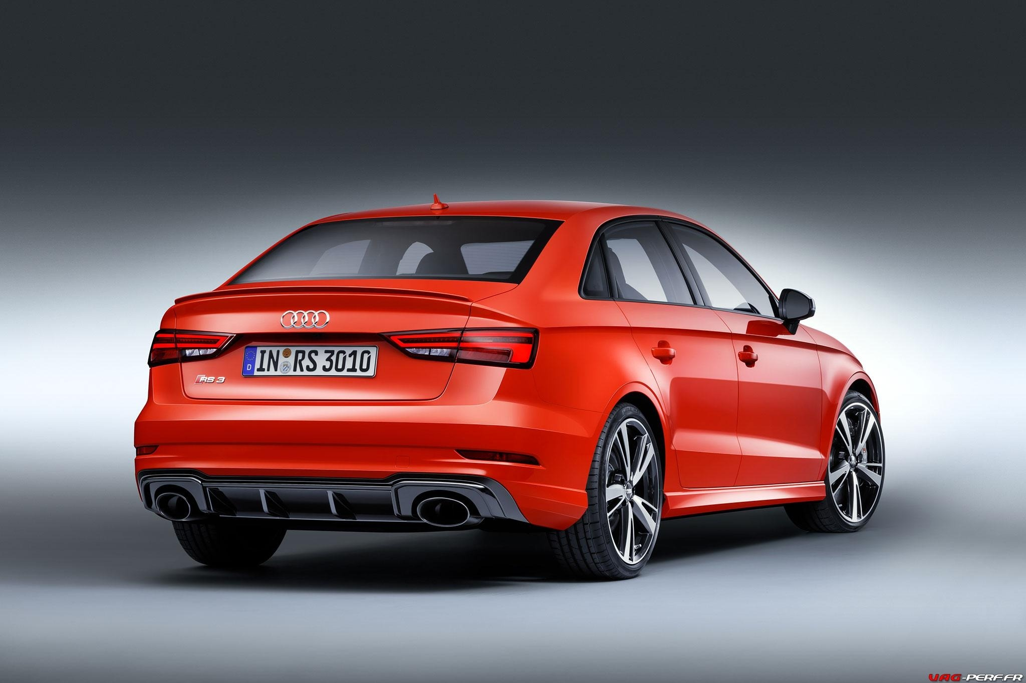 2016_Audi-RS3-Sedan-Officiel_04