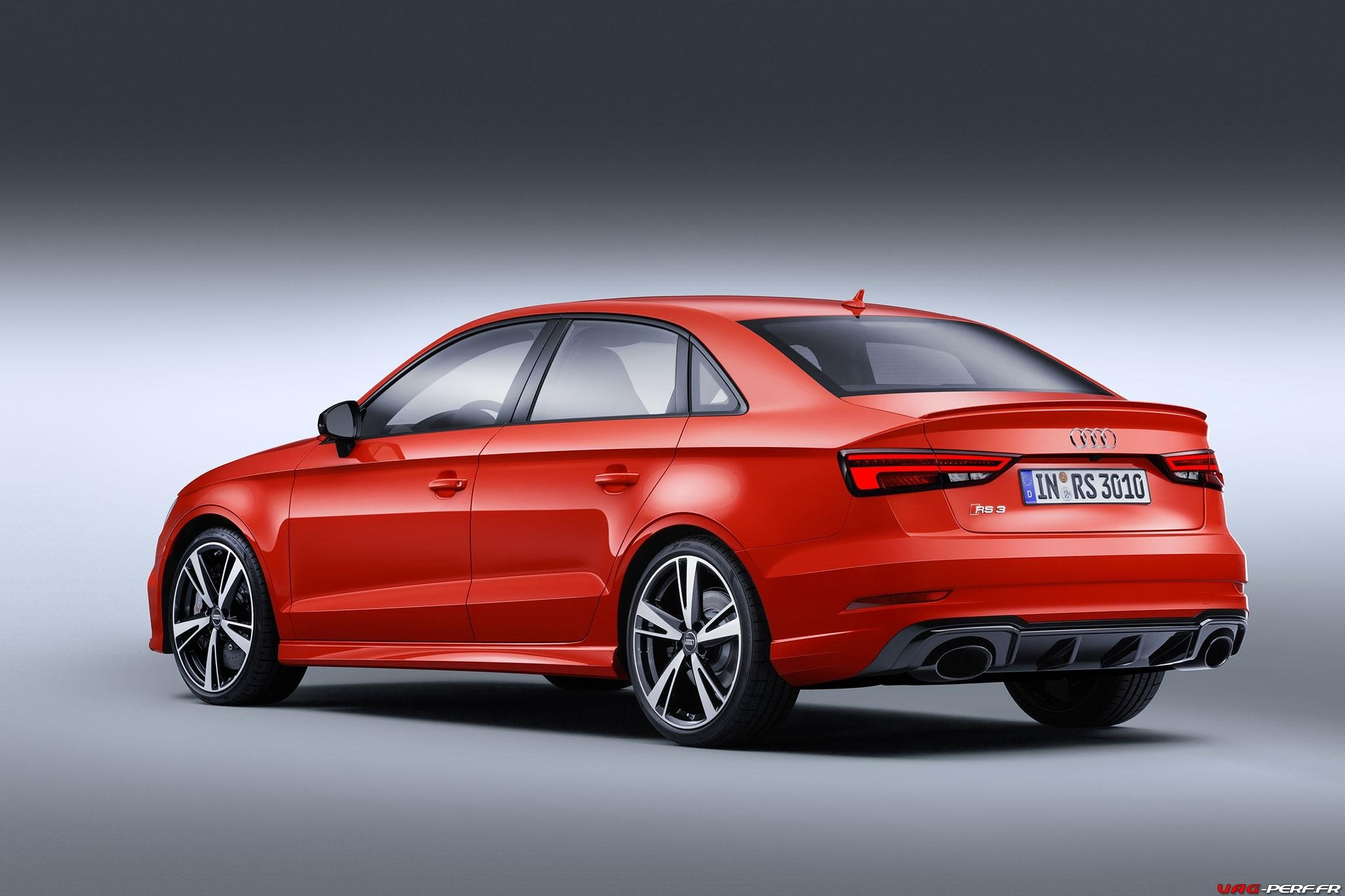 2016_Audi-RS3-Sedan-Officiel_06
