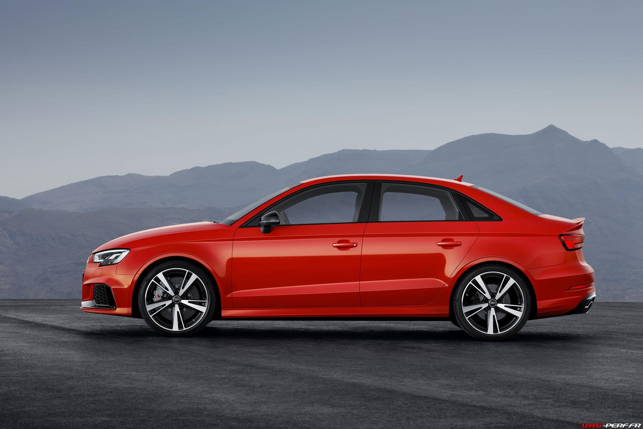 2016_Audi-RS3-Sedan-Officiel_08