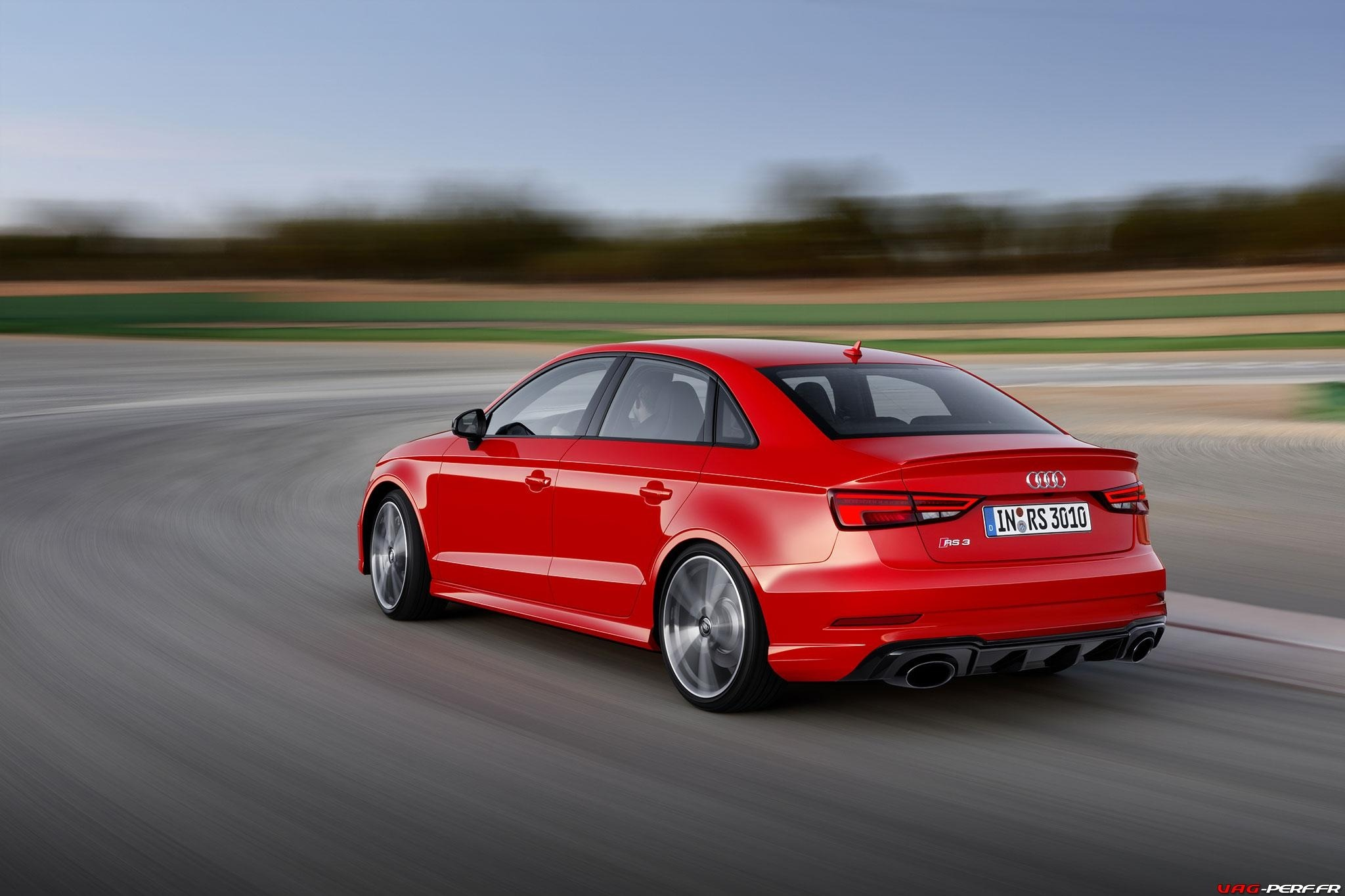 2016_Audi-RS3-Sedan-Officiel_11
